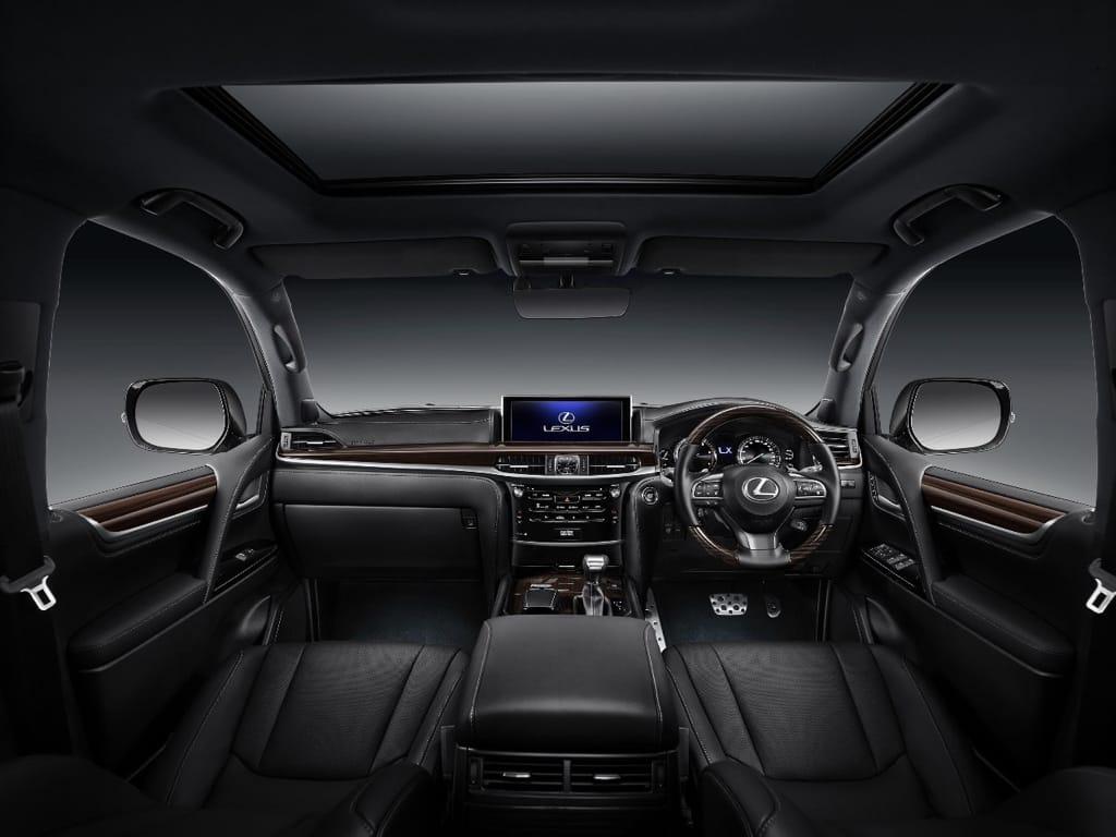 Kabin Lexus LX 570 Sport