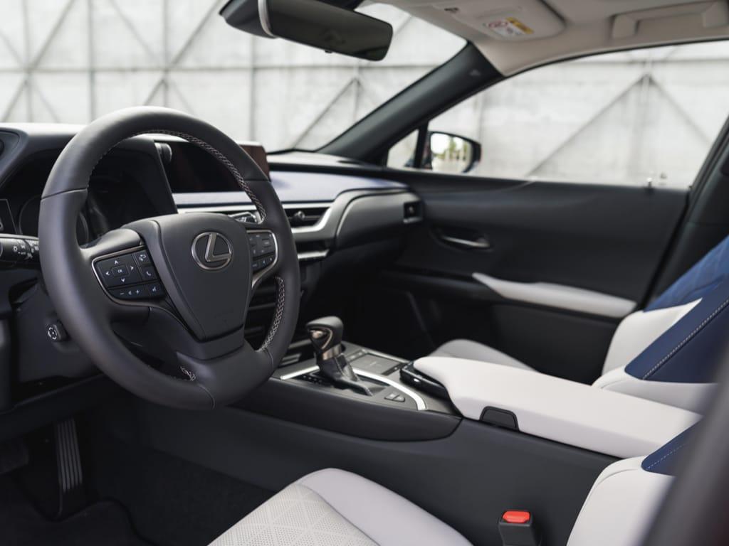Kabin yang nyaman bagi pengguna The Newest Lexus UX