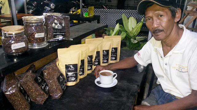 Jangan Ngaku Pekopi Sejati Sebelum Menyeruput di Kedai Om Blues Coffee
