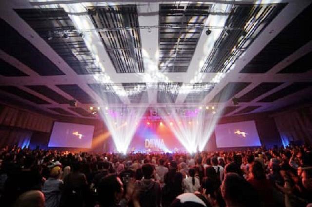 Lama Menghilang, Konser Reuni Dewa 19 Bikin Baladewa Histeris, Nih!