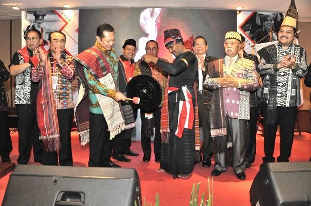 Ketua MPR RI Dukung Ulos Sebagai UNESCO World Intangible Cultural Heritage